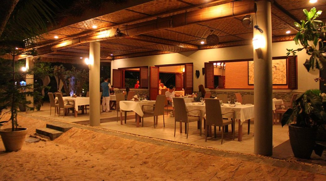 Pearl Restaurant Linaw Beach Resort 040